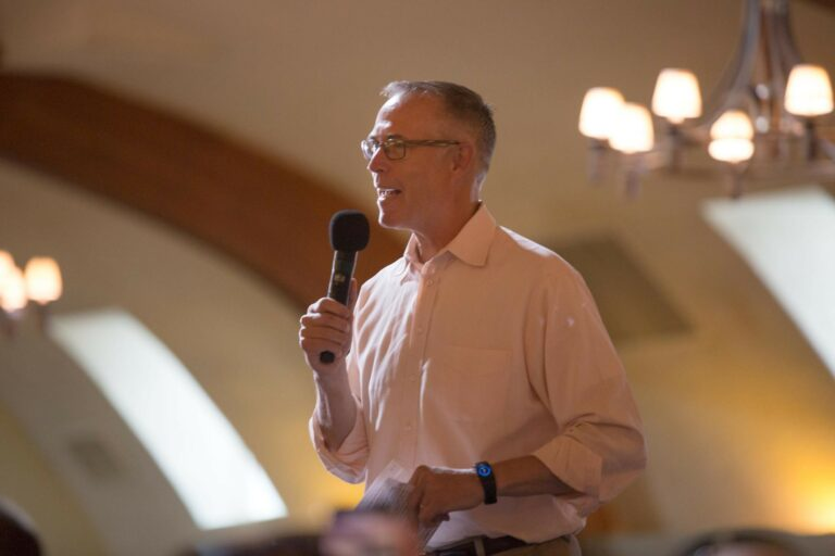 Rep. Huffman's New Legislation Opposes Fossil-Fuel Bailout