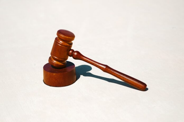 gavel-court-tingey